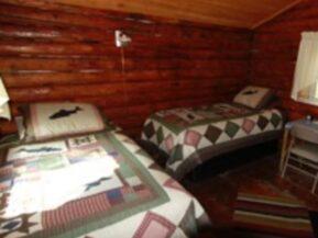 2 Twin beds in Bear's Den cabin