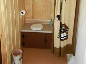 Toilet in Glamping cabin
